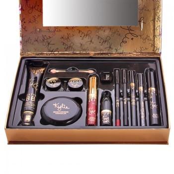 Подарочный набор KYLIE Holiday Edition 11 pieces of fashion makeup set